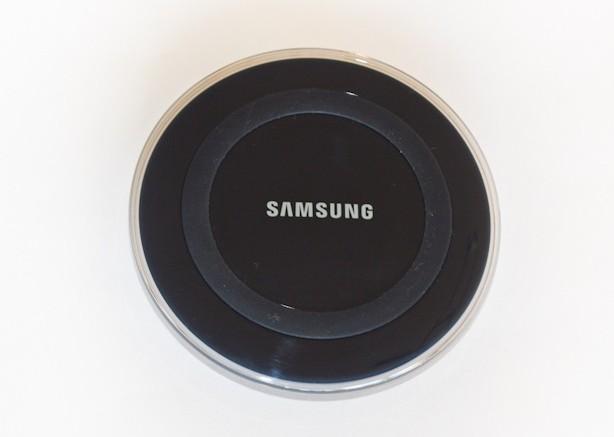 test chargeur sans fil samsung ep pg920i pour s6 s6 edge. Black Bedroom Furniture Sets. Home Design Ideas