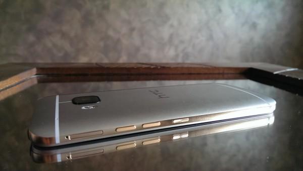 HTC_M9_details5 coté gold (photo prise avec M7)