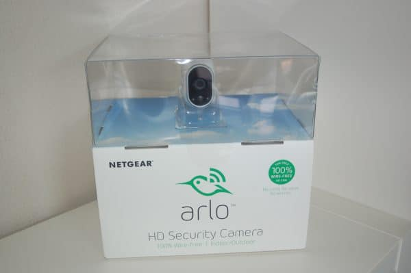 Arlo_wireless_box