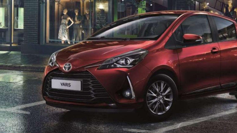 la nouvelle toyota yaris d sormais connect e. Black Bedroom Furniture Sets. Home Design Ideas