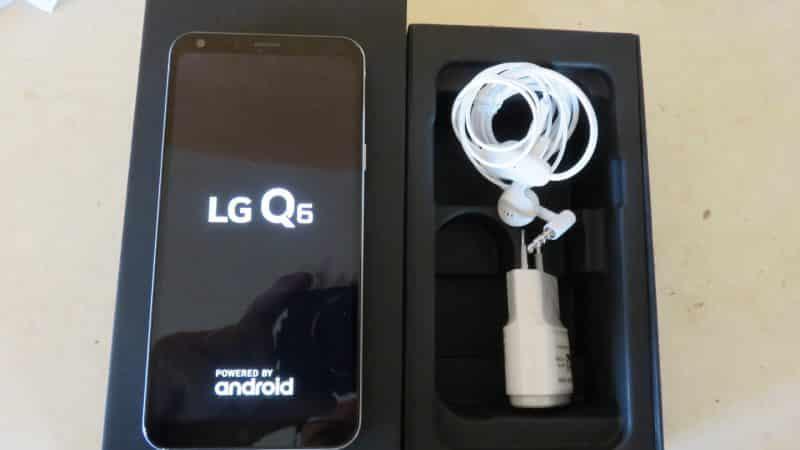 LG Q6_boite