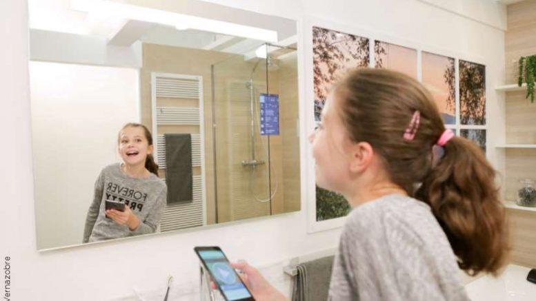 miralite connect le nouveau miroir clairant connect de. Black Bedroom Furniture Sets. Home Design Ideas