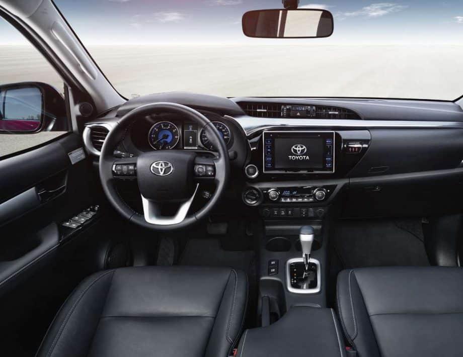 Toyota Hilux Légende Sport internal