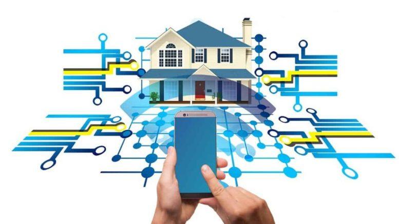 Une maison connectée à un smartphone